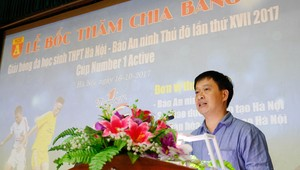 Hình ảnh lễ bốc thăm chia bảng giải bóng đá học sinh THPT Hà Nội 2017