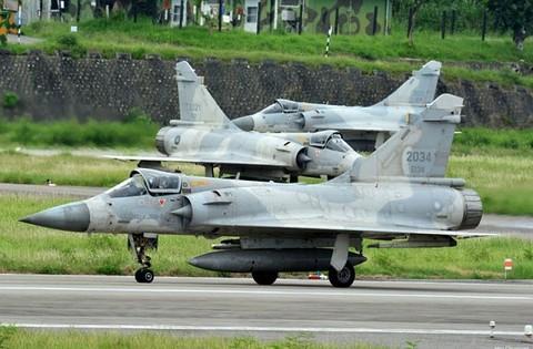 ผลการค้นหารูปภาพสำหรับ Mirage 2000 Ho Tzu-yu