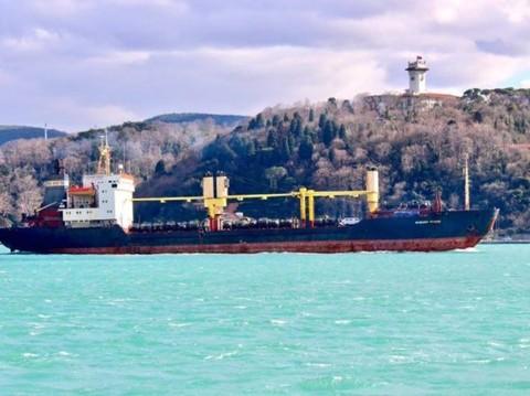 Tàu Nga chở một số lượng lớn thiết bị quân sự đến Syria