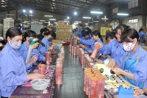 Quan điểm của Tổng Liên đoàn Lao động Việt Nam cho rằng, việc tăng tuổi nghỉ hưu là không phù hợp với người lao động làm việc trong các ngành nghề lao động chân tay
