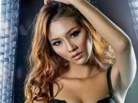 Người mẫu khỏa thân Nguyễn Thị Kim Phượng