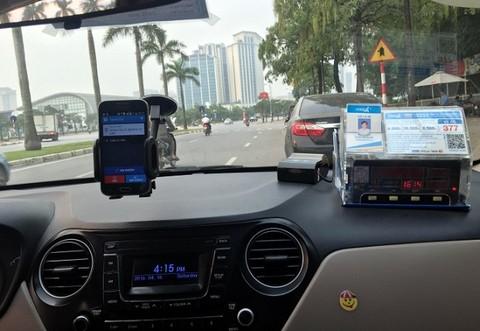 Không tuyển dụng, dừng ngay cung cấp phần mềm cho taxi công nghệ không đủ điều kiện