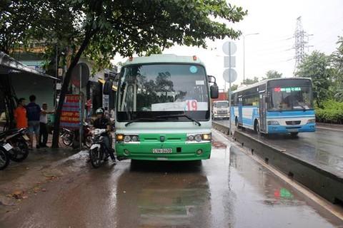 Kết quả hình ảnh cho hình ảnh xe buýt số 19 hcm